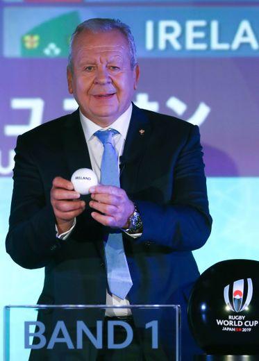 Bill Beaumont, président de World Rugby lorsdu dernier tirage au sort du Mondial 2019 au Japon. Photo Icon Sport