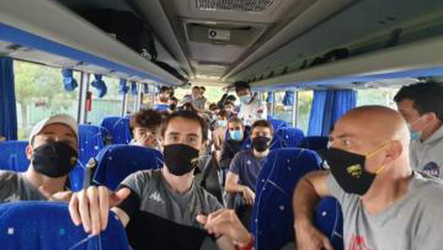 Après avoir joué durant 70 minutes à Balma, les juniors nationaux du rassemblement Saint-Médard-en-Jalles/Parempuyre ont dû se changer sur le bord du terrain et remettre le masque pour faire trois heures de car pour rentrer en Gironde.