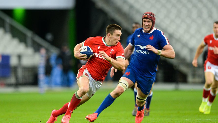 Josh ADAMS of Wales and Bernard LE ROUX of France during the test match between France and Wales at Stade de France on October 24, 2020 in Paris, France. (Photo by Sandra Ruhaut/Icon Sport) - Stade de France - Paris (France)