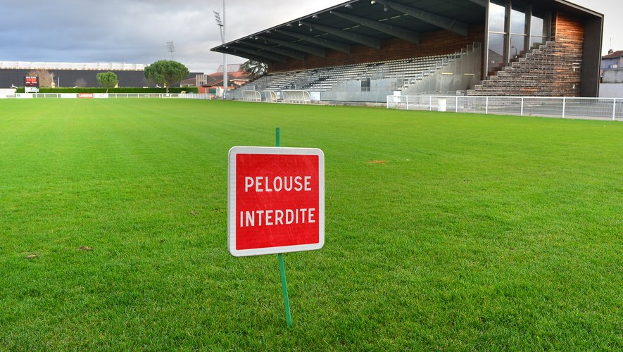 Au stade Maurice-Rigaud d'Albi, la pelouse est interdite. Une difficile réalité qui pourrait durer pour le SCA et les autres clubs de Nationale, qui ne savent pas encore ce qu'il en sera des prochaines semaines.