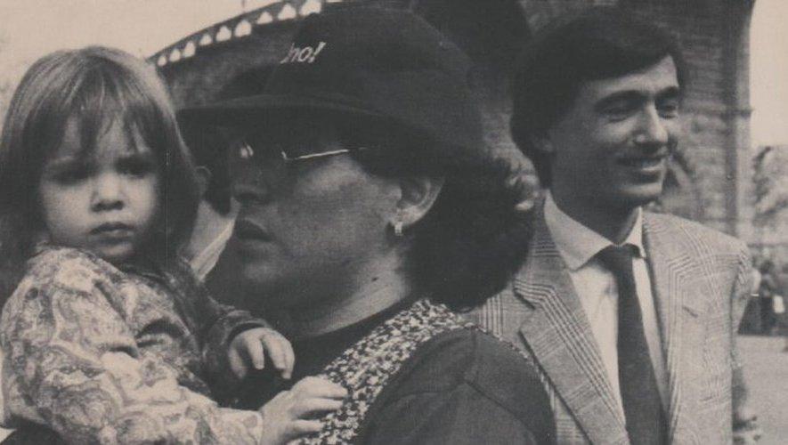 Diego Maradona lors de son passage à Lourdes avec sa fille et Philippe Douste-Blazy (à droite)