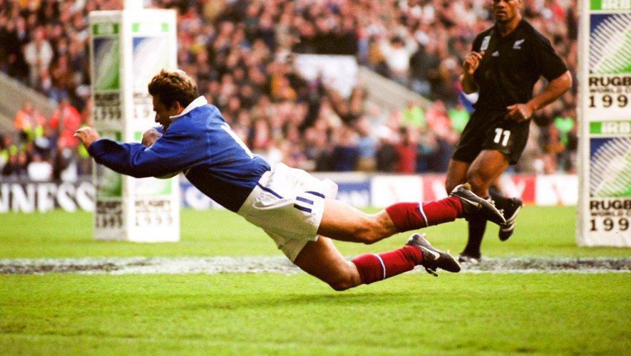 """Ce jour-là, contre la Nouvelle-Zélande en demi-finale de la Coupe du monde 1999, """"Domi"""", c'était révélé aux yeux du grand public."""