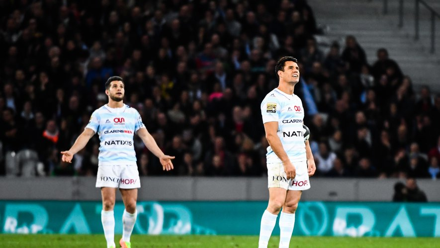 Brice Dulin and Dan Carter of Racing 92 looks dejected during the Top 14 match between Racing 92 and Clermont Auvergne at Stade Pierre-Mauroy on March 25, 2017 in Lille, France. (Photo by Anthony Dibo