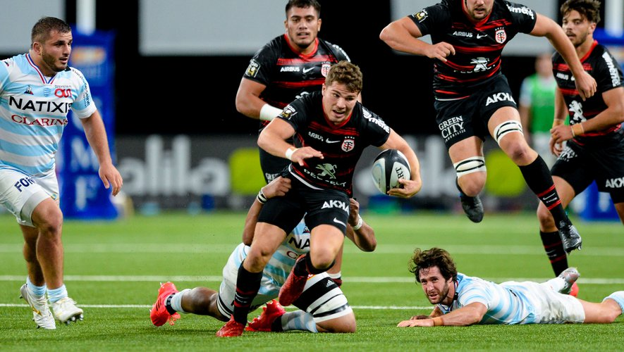 Antoine Dupont face au Racing 92