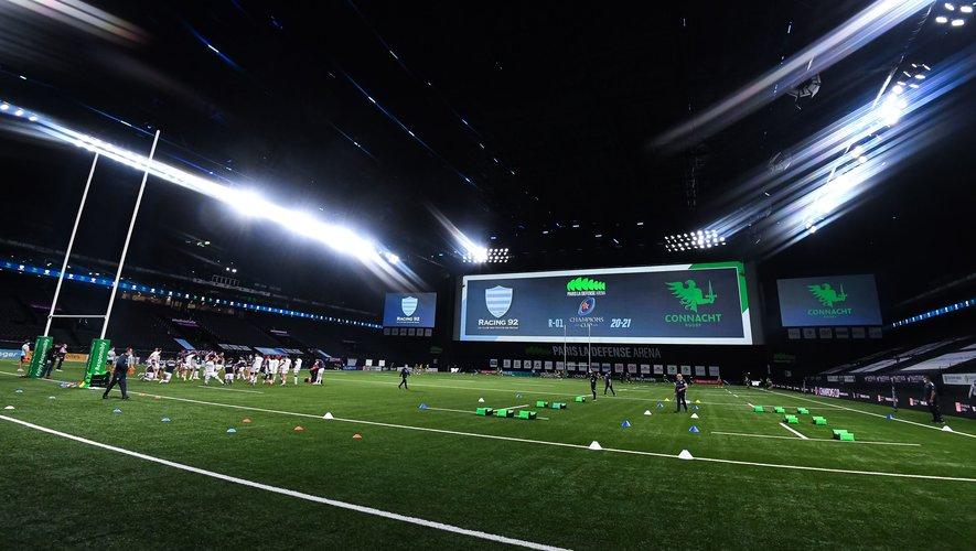 Terrain synthétique, toit fermé, écrans à foison, jeux de sons et lumières : la Paris-La Défense Arena est plus qu'un simple terrain de rugby. Photo Icon Sport