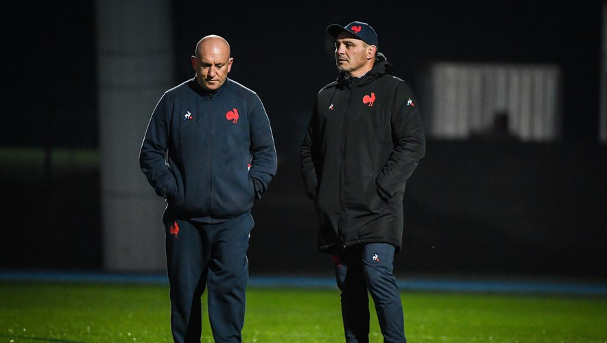 Shaun EDWARDS of France and Raphael IBANEZ of France during the French training session at Centre national de rugby on December 2, 2020 in Marcoussis, France. (Photo by Matthieu Mirville/Icon Sport) - Shaun EDWARDS - Raphael IBANEZ - Centre National du Rugby - Marcoussis (France)