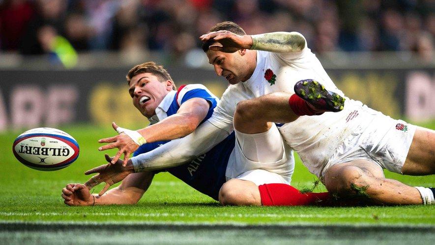 Les Anglais auront la tentation de harceler Antoine Dupont pour le faire sortir de son match. Photo Icon Sport