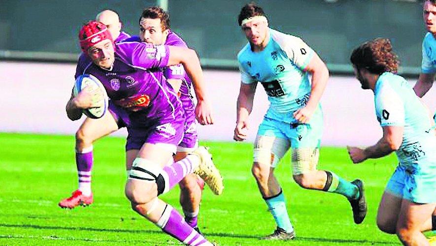 Pierre Bochaton, jeune deuxième ligne complet qui a la tête sur les épaules et prépare en parallèle de sa carrière rugbystique une formation de paysagiste.