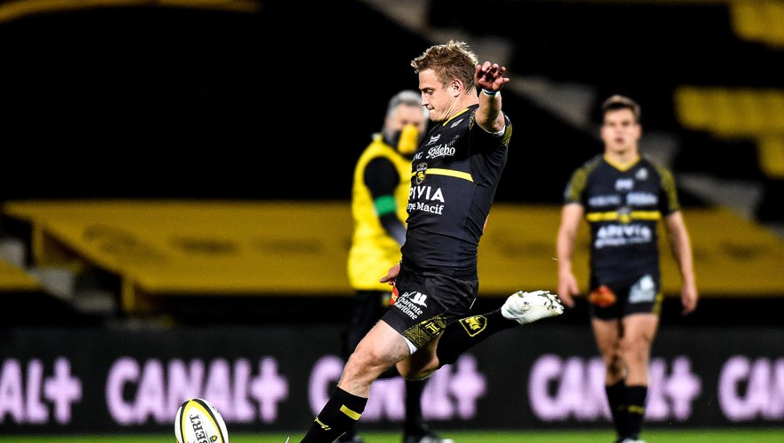 Jules PLISSON of Stade Rochelais during the Top 14 match between La Rochelle and Toulouse on February 27, 2021 in La Rochelle, France. (Photo by Hugo Pfeiffer/Icon Sport) - Jules PLISSON - Stade Marcel-Deflandre - La Rochelle (France)