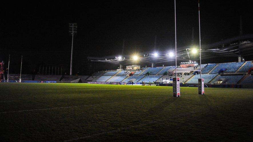 Après un peu plus de 60 minutes de temps de jeu, le terrain du Stadium de Villeneuve-d'Ascq s'est plongé dans le noir. Après 20 minutes d'attente, la rencontre fut définitivement arrêtée et la victoire des Anglaises entérinée. Photo Icon Sport