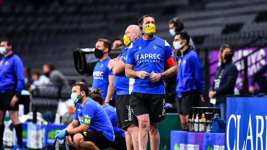 Franck AZEMA head coach of Clermont during the French Top 14 Rugby match between Racing 92 and Clermont at Paris La Defense Arena on May 8, 2021 in Nanterre, France. (Photo by Baptiste Fernandez/Icon Sport) - Franck AZEMA - Paris La Defense Arena - Paris (France)