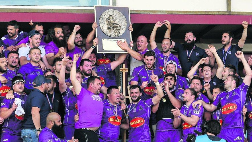 Bourg-en-Bresse restera dans l'histoire du rugby comme l'équipe qui a inscrit son nom pour la première fois sur le bouclier de Nationale.