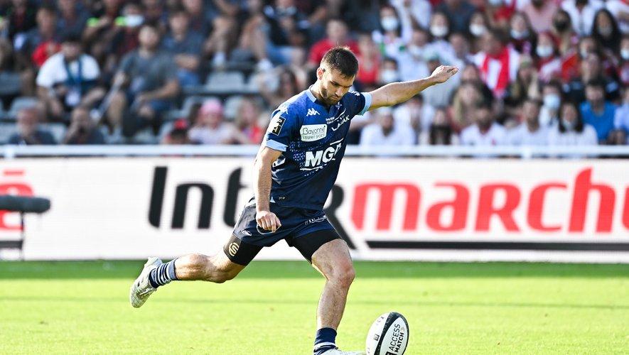 Aymeric Luc, lors de son tir au but contre Biarritz.