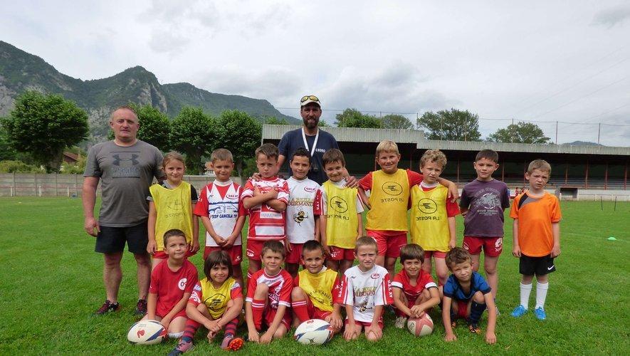 Les moins de 8 ans de l'école de rugby lors des journées portes ouvertes dans le cadre de la semaine du « Printemps du Rugby ».