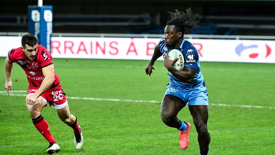 L'ailier Gabriel Ibitoye n'a joué que 9 matches à Agen avant de partir en milieu de saison à Montpellier.