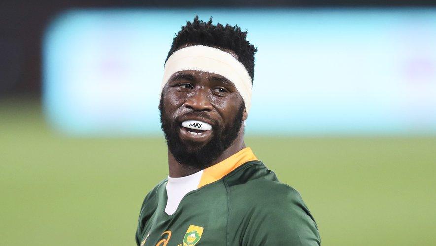 Le flanker sud-africain Siya Kolisi reprend son statut de capitaine face aux Lions britanniques et irlandais.