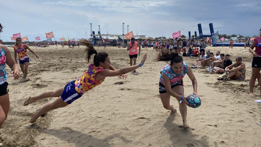 Le Beach rugby de Gruissan propose un tournoi masculin et féminin