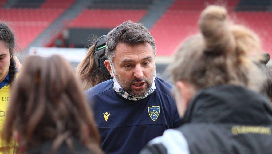 Ce samedi, Fabrice Ribeyrolles et ses joueuses de l'ASM-Romagnat remettent leur titre en jeu. Un trophée qui leur a ouvert bien des portes alors qu'il n'était qu'un rêve en début de saison.