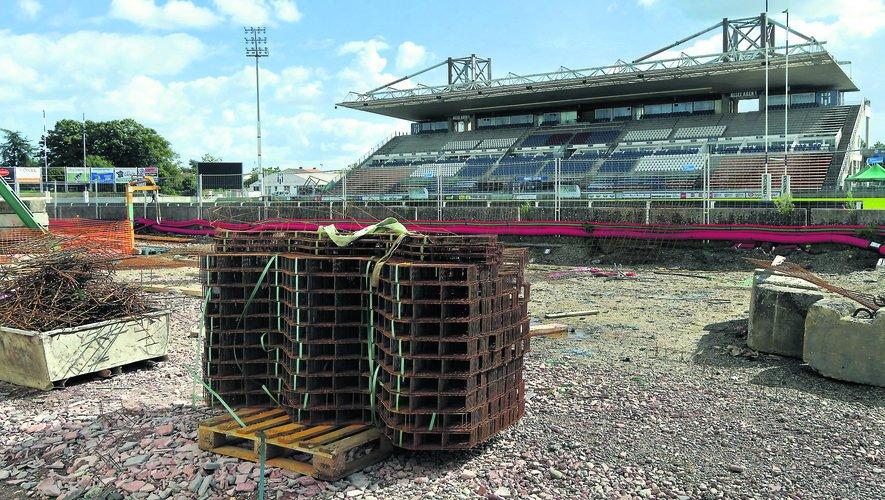 Comme un symbole, une partie du stade Armandie d'Agen est en travaux, à l'image du club dont la lente dégringolade continue.